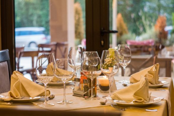 Top Five Reasons to Eat at Hotel Restaurants