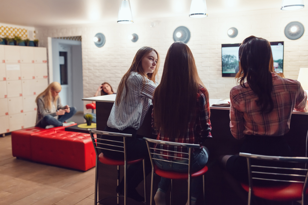 Hostel dining guide
