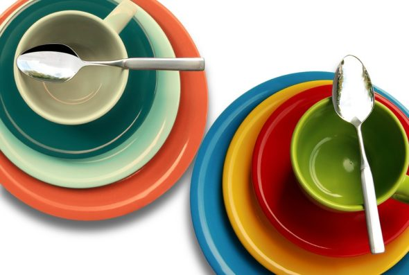 Stoneware vs. Earthenware: Which Material is Right for Your Dishes?